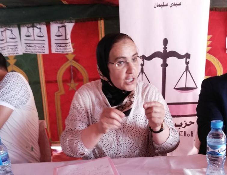 التحركات النضالية للأخت خديجة الزومي ترعب تجار الانتخابات بجماعة عامر الشمالية بسيدي سليمان