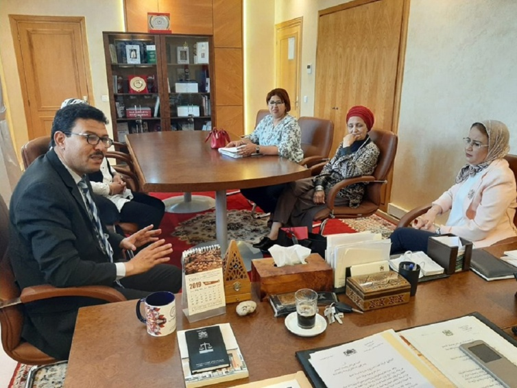 الفريق الاستقلالي يستقبل الحركة المطلبية للنساء السلاليات بالمغرب والجمعية الديموقراطية لنساء المغرب