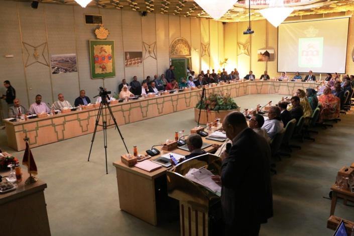 مجلس جماعة العيون يصادق على جميع النقاط المبرمجة ضمن جدول أعمال دورة أكتوبر العادية