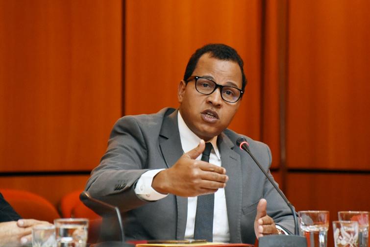 الأخ عمر عباسي :غياب تفاعل بعض الوزراء مع البرلمان يؤكد فشل الاختيار التقنوقراطي