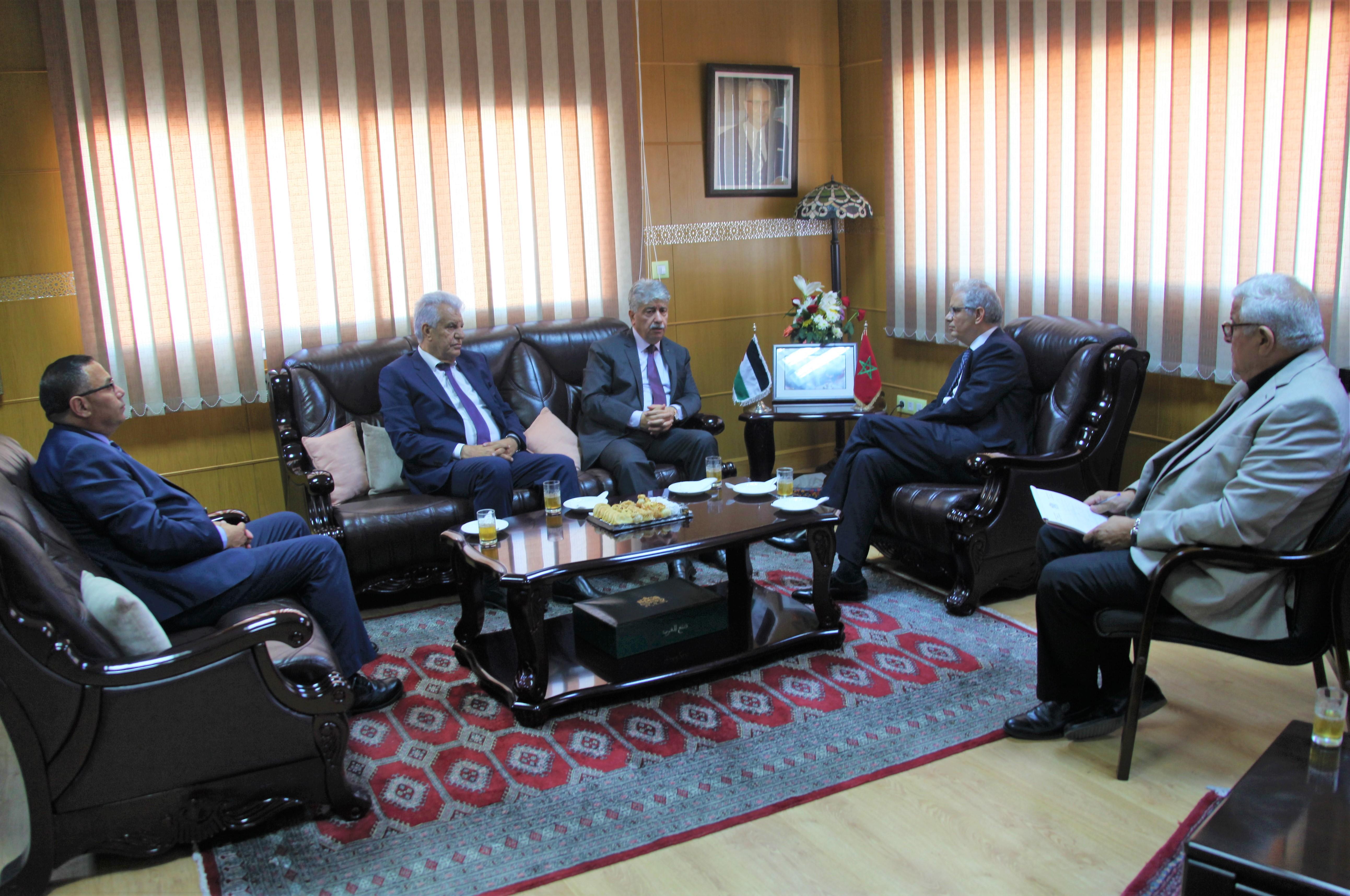 الأمين العام لحزب الاستقلال يستقبل القيادي الفلسطيني والوزير السابق الدكتور أحمد مجدلاني