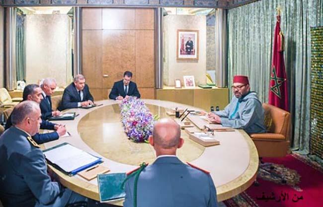 جلالة الملك ممحمد السادس يعطي تعليماته لتغطية السكان بلقاح كوسيلة مناسبة للتحصين ضد الفيروس والسيطرة على انتشاره