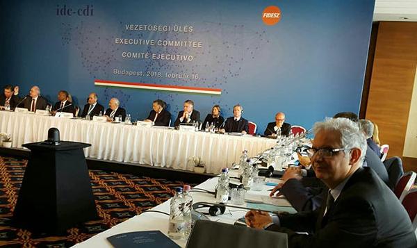 الأخ الأمين العام لحزب الاستقلال في لقاءات مكثفة مع ممثلي الأحزاب المشاركة في مؤتمر الأممية الديمقراطية لأحزاب الوسط ببودابست