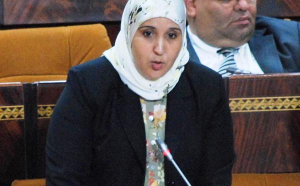 الأخت خديجة الرضواني : الدعوة الى الاستفادة السنوية للتلاميذ من مليون محفظة