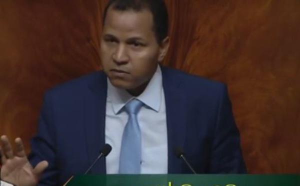 عمر عباسي : السياسة العامة للشباب يجب أن ترتكز على توفي الشغل والكرامة