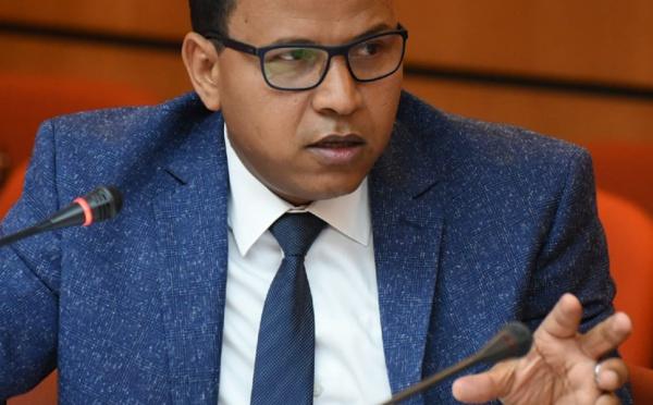 (الأخ عمر عباسي : تماطل أعضاء الحكومة في استقبال برلمانيي المعارضة (تعقيب إضافي